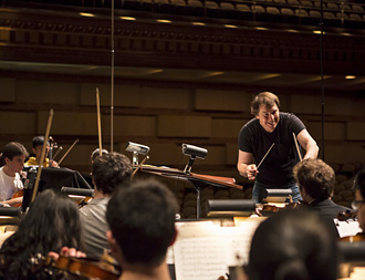 David Newman rehearses the American Youth Symphony for The Elfman Project