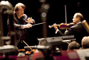 David Newman conducts violinist Alexander Treger and the American Youth Symphony